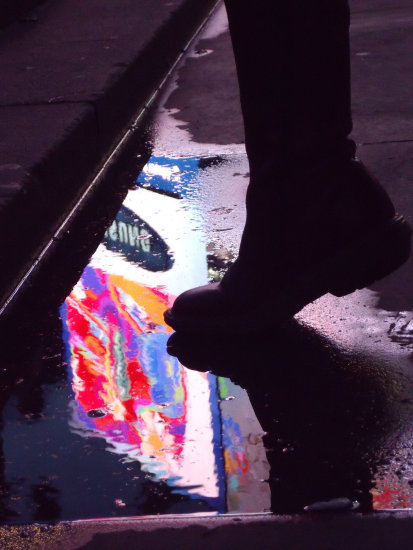 reflectionthursday water reflection colour sillouette feet boots