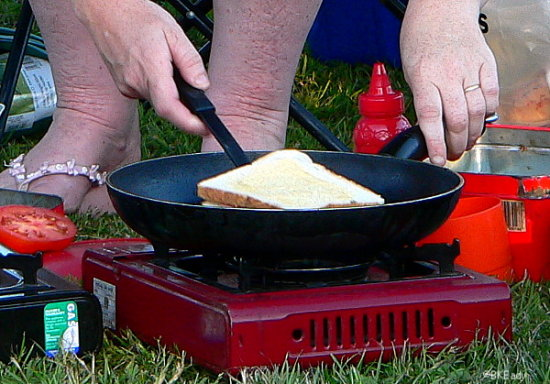 lunch cook cooking camp toast camper