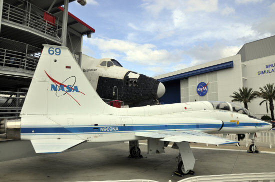 kennedy space center florida nasa jet plane shuttle