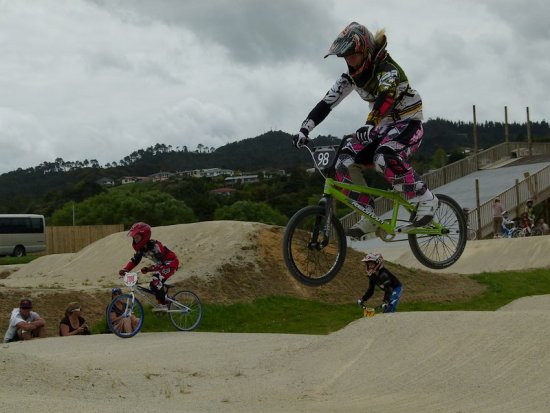 bmx bmxracing racing practice training jump extreme girl teenager bike