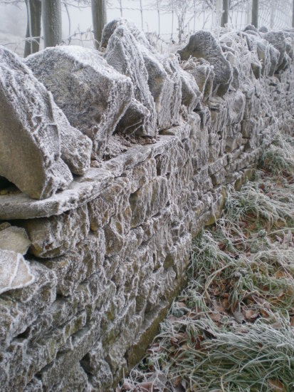 broadway tower worcestershire cotswolds frost wall