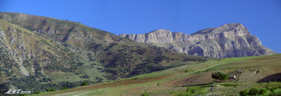 iran lorestan nature spring mountain panorama