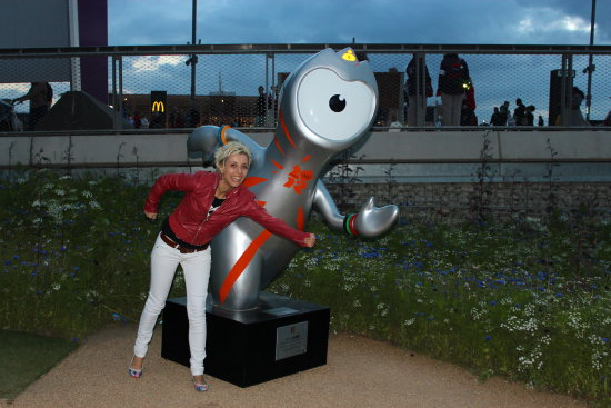 me olympic park london 2012 petzka smile