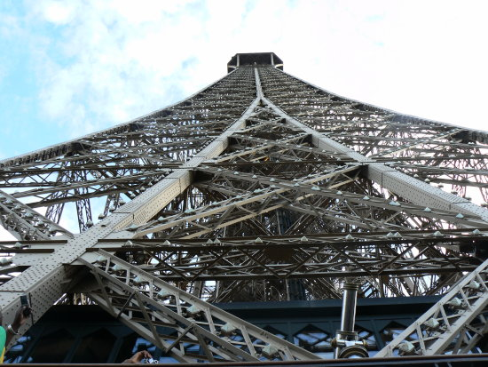 eifel tower paris