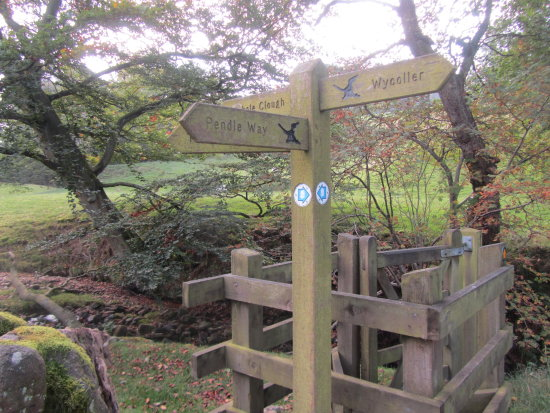 wycoller pendle witches trail