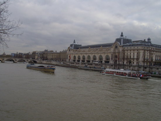 museo dorsay paris france seine river