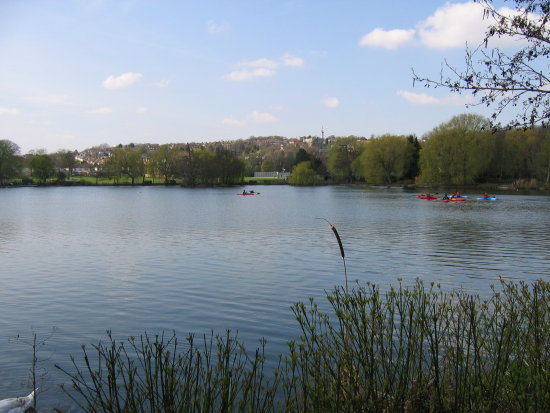 South Norwood Lakes Croydon Sailing London Natural Pastoral Spring Walk 2010