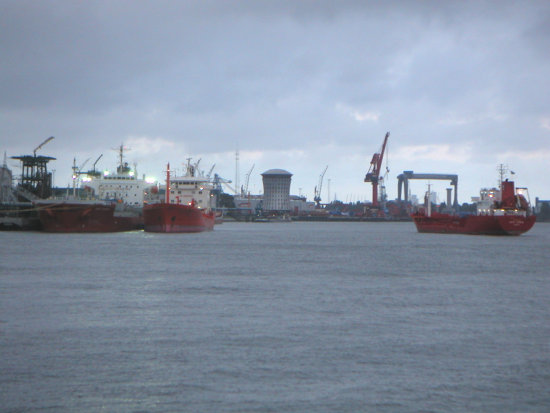 clouds sky maas river ships industry harbour rotterdam holland