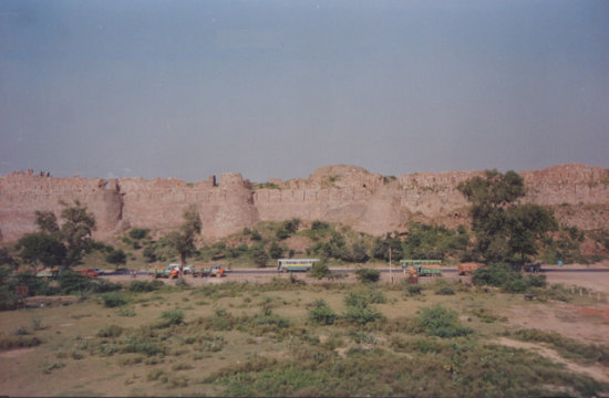Life In India Tourism in Delhi Old Fort Garrison Tughlaqabad