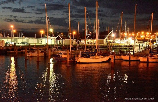 Inner harbour . Napier, NZ