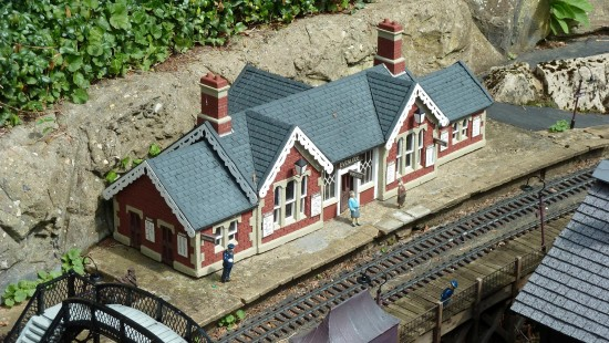 england beaconsfield bekonscot architecture trains