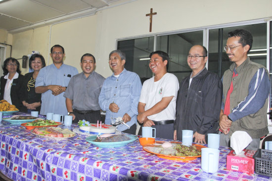 kundasang bundu tuhan dinner church universal holy apostolic one