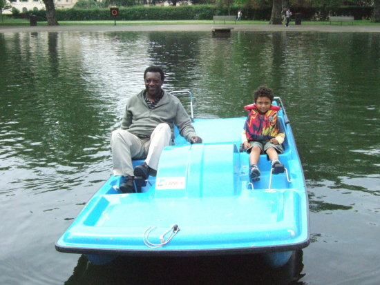 regents park london lake boat