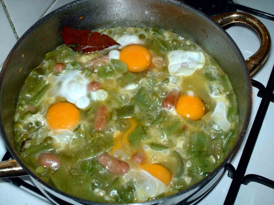 2008 food experiment stew green beans sausages eggs pot home