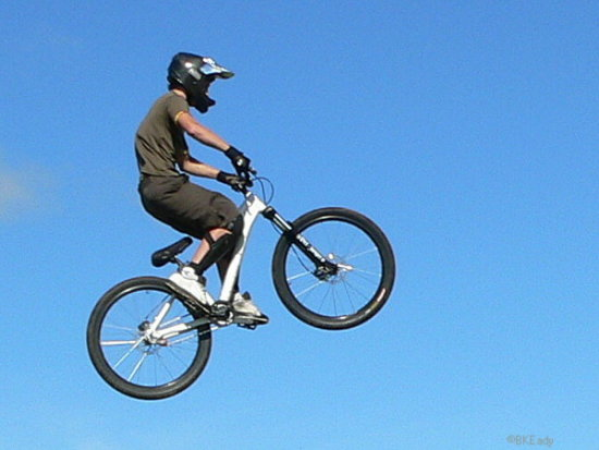 mtb mountainbike mountainbiker boy jump air