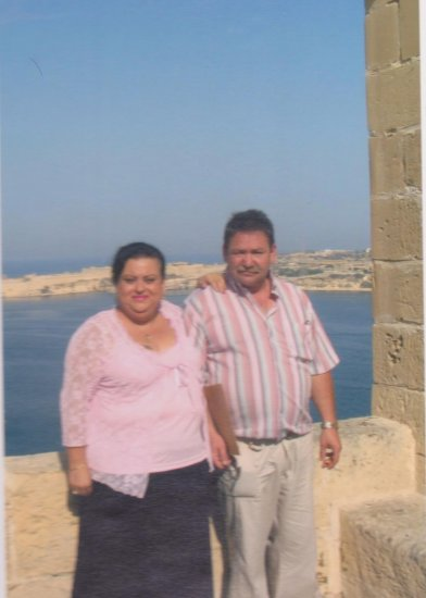 valletta malta couple sea