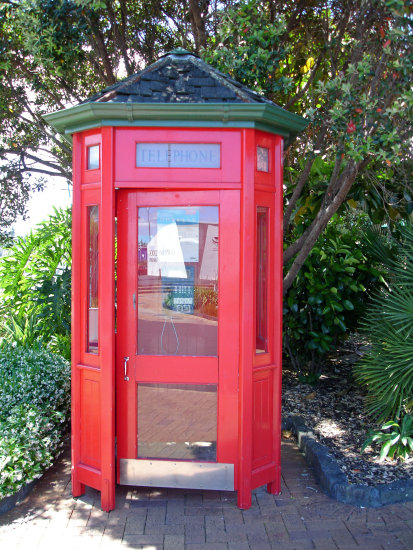 midworlder phonebooth n red