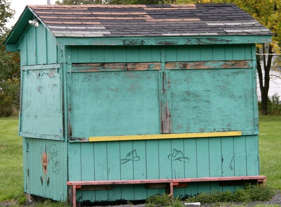 shanties huts color