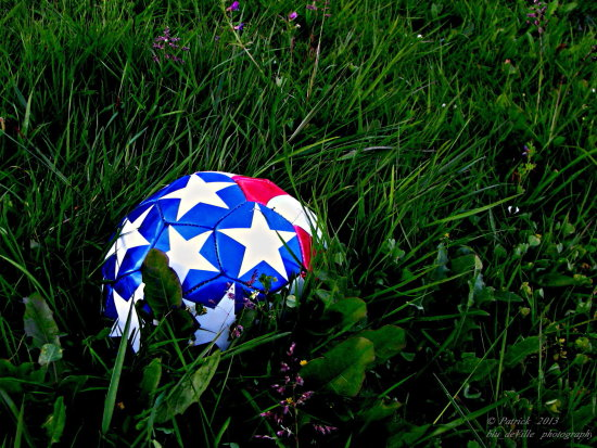 ball soccer lonely yard