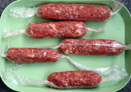 Home-made pork skinless sausages (in preparation).