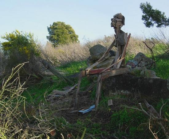 "A sitting ""man"" at the north end of the Albany Bulb. First of four photos."