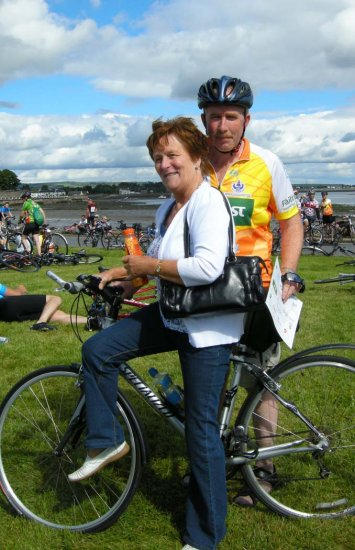 SEAN KELLY TOUR OF WATERFORD CYCLISTS HELP IN FIGHT AGAINST CANCER!