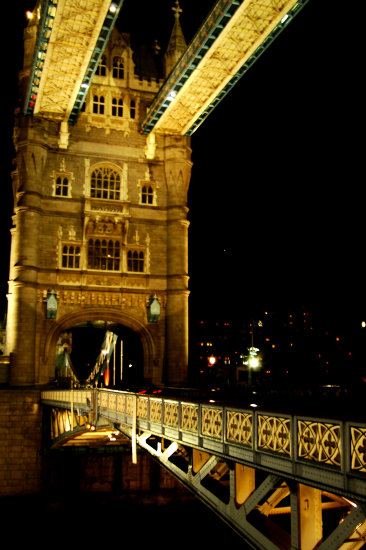 tower bridge night london
