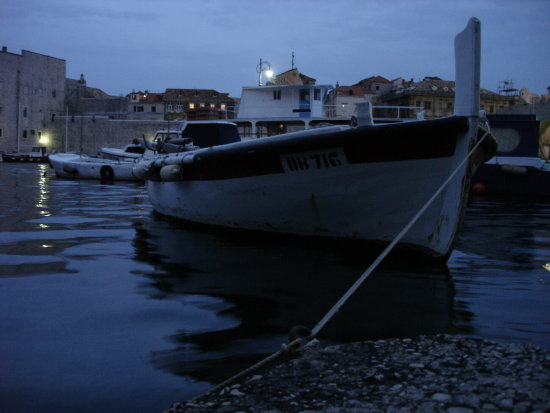 dubrovnik kroatia adriatic blue water sea evening night boat harbour