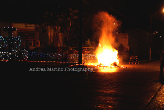ao viejo end year andrea mario ecuador guayaquil night fire burning