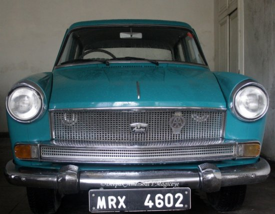 1961 Austin A55 Mark Cambridge vintage car collection udaipur maharaja rajasthan