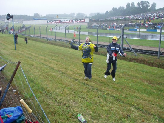 rossi happy donnington motogp wet racing fan