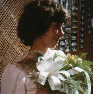 This is a picture of my mom in my parent's wedding day. Isn't she beautiful?