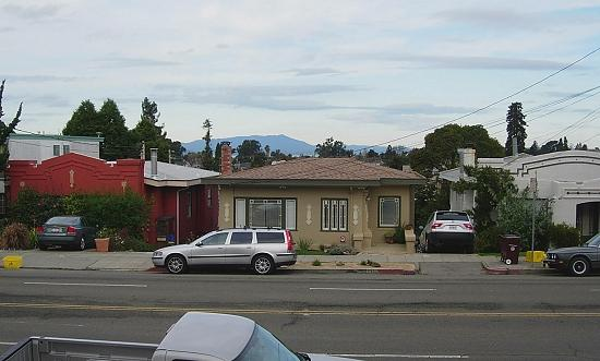 Broadway, Oakland. These homes are about 90 years old and full of character. Mount Tamalpais in t...