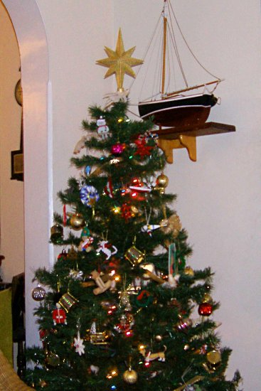 christmastree boat