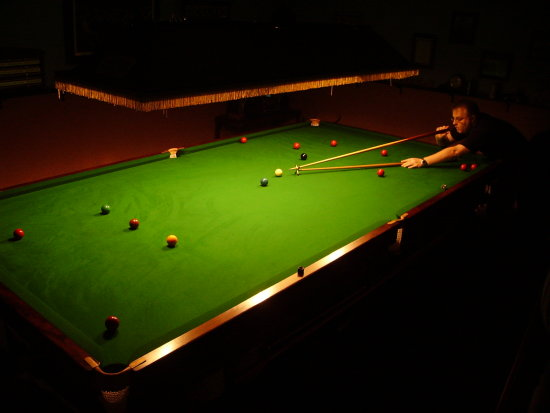 CarlosFandango plays snooker (not very well I might add) 