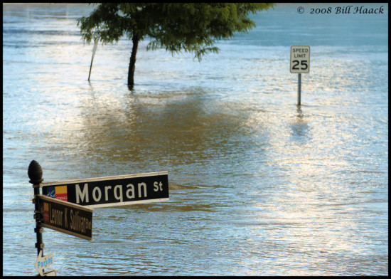 stlouis missouri usa water landscape river Mississippi flood streetsigns bh 2007