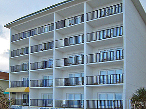 Hotel near daytona beach Daytona beach Quarters hotel Daytona beach Quarters
