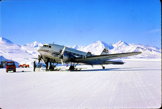 Merry Christmas ski douglas DC3 greenland seaice snow ice winter