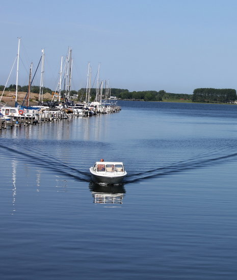 reflectionthursday water boat marina the netherlands
