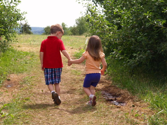 kids son daughter summer fathers day orchard berry picking
