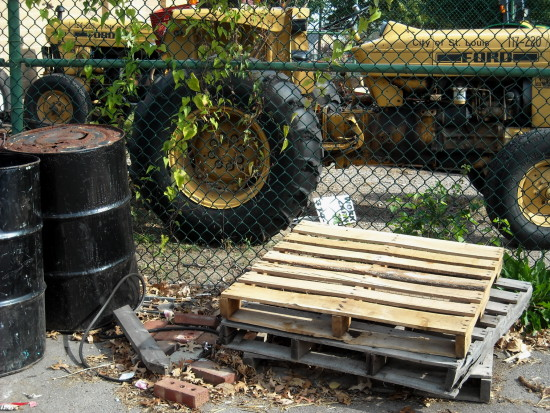 tractors chainlink fence pallet