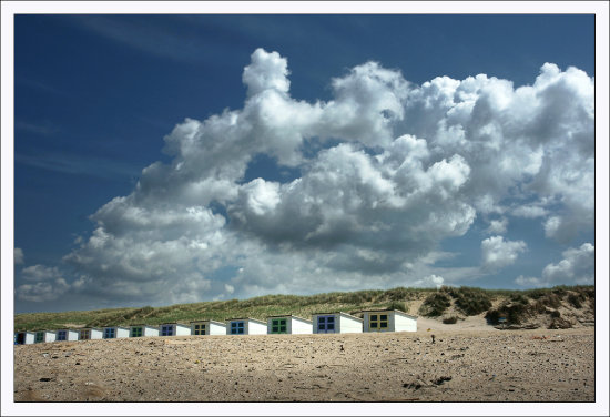beach clouds cabins beachcabins texel netherlands zeiss variosonnar