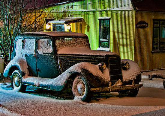 oldclassic car snow house building night winte konni27 Iceland Reykjavik