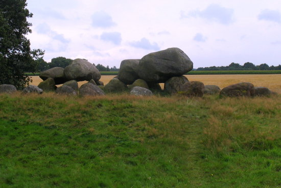 dolmen hunebed holland oldestbuildingfriday