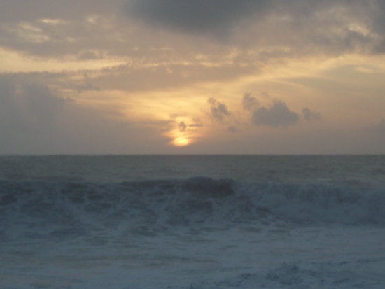 2010 portugal madeira jardimdomar ocean sea waves horizon clouds sky sunset