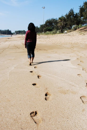 beach footsteps path journey flow daylight