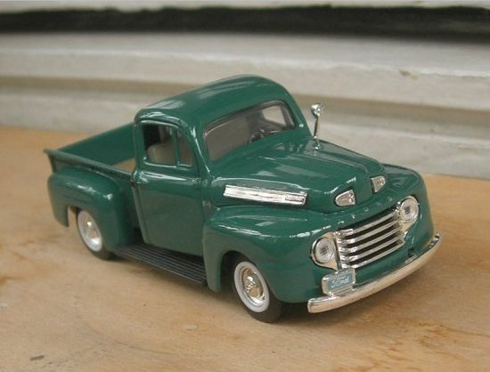 Ford F100 1949 diecast 143scale toy modelcar