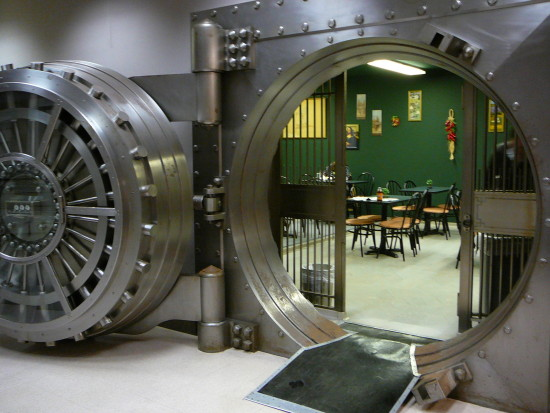 vault bankvault lunchroom
