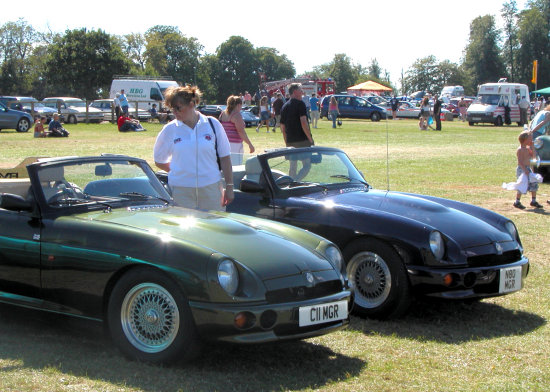 Two MG RV8's at the same car