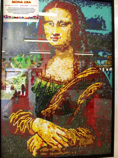 This is totally made out of jelly beans, there are 17,980 jelly beans in the picture.  (origianl ...
